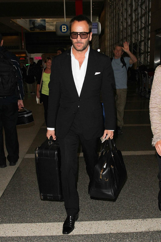tom-ford-airport-style-black-leather-bags