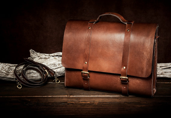 Leather Messenger Bags for the Everyday Look