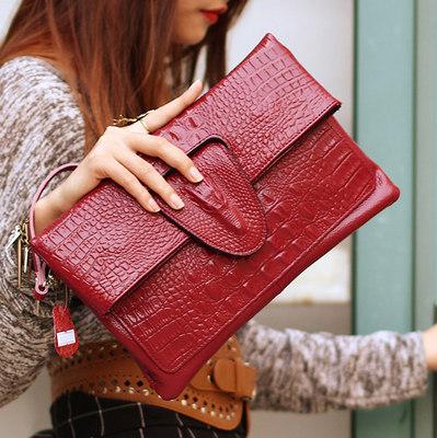 leather bag pockets
