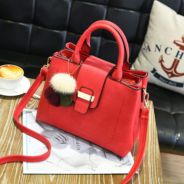 bucket bag is practical and fashionable products