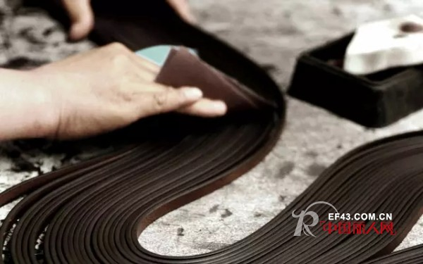 leather bag production process-Edge