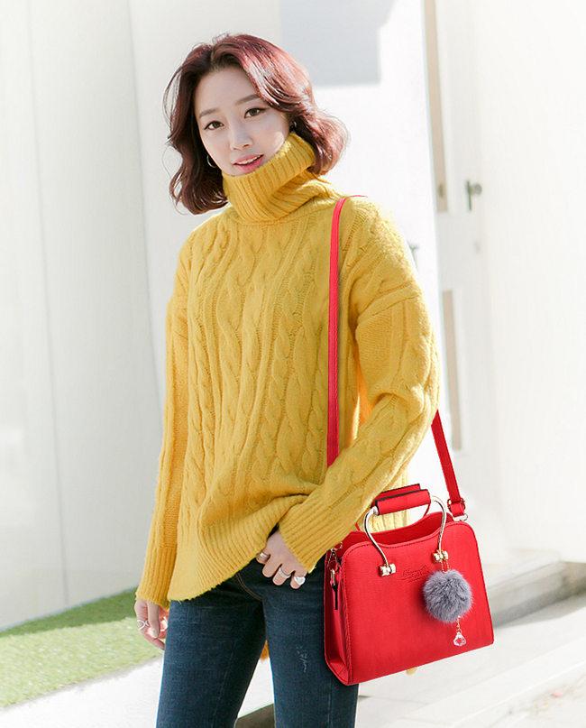 red handbag,satchel