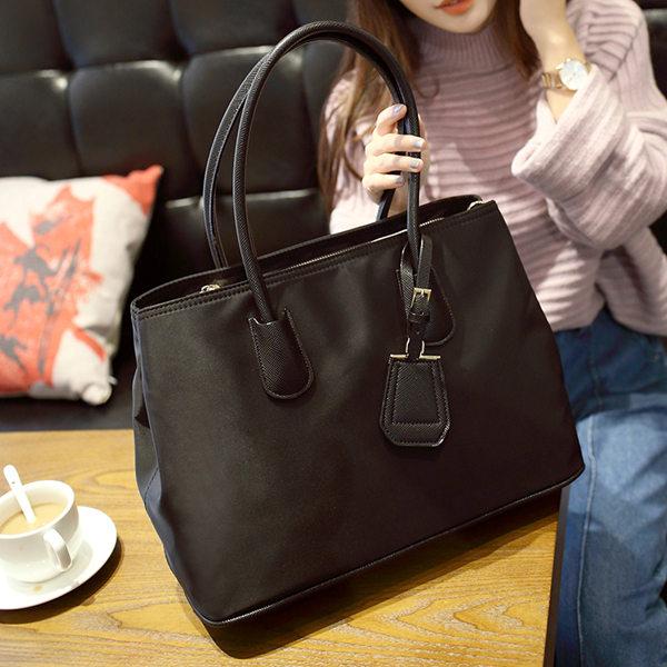 the most popular bag type is a handbag