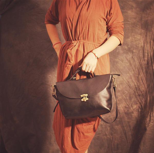 Small box type vintage handbag