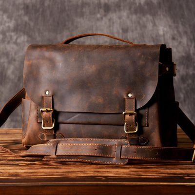 Messenger Bags for Everyday Look