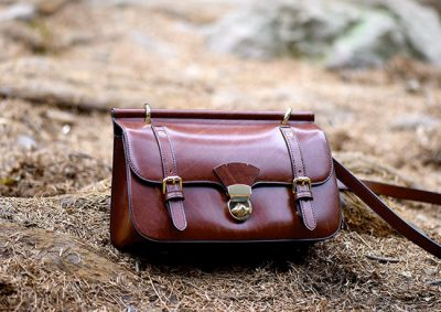 Messenger bags are quickly replacing briefcases, backpacks and handbags in all demographics