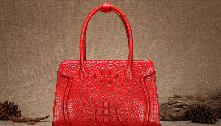 Alligators handbags for women