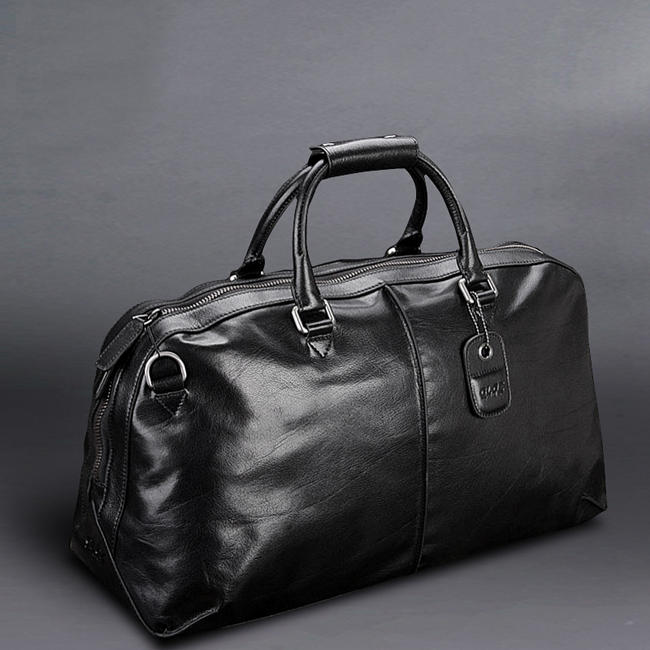 Leather Duffel Bag is Every Man Must Have in Their Wardrobe