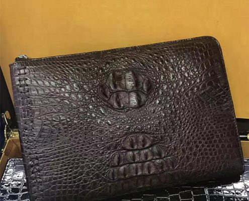 What Kind of Oil Should be Used for Crocodile Leather Wallet