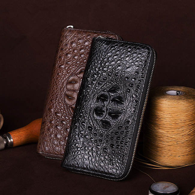 crocodile leather wallet is mostly applied to the business