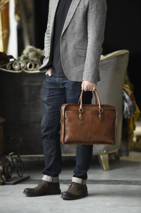 Luxury Vintage Leather Briefcase Shoulder Laptop Business Bag for Men-Coffee-Display